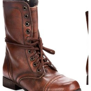 Steve Madden Troopa combat boots in size 8 brown